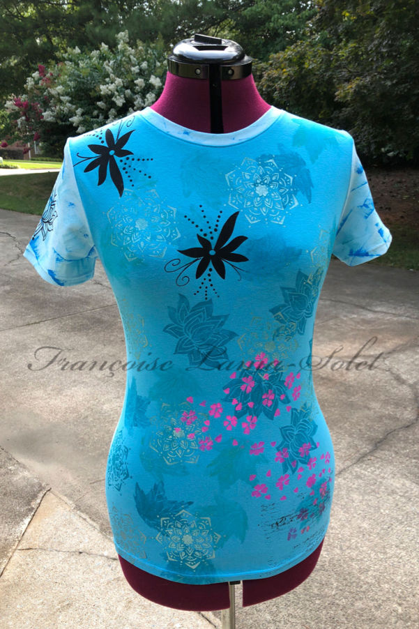 Turquoise and light blue one of a kind short sleeve t-shirt hand printed with mandala, lotus flowers, leaves… - Meditation