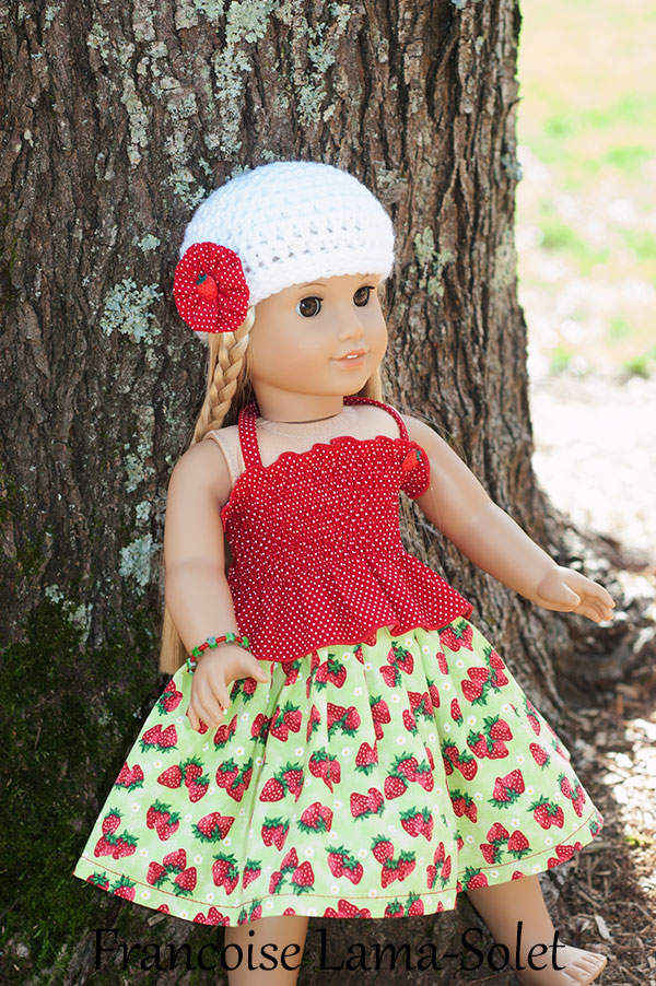 Set composed of a yellow green halter top, a twirl skirt and acrochet beanie hat for dolls Strawberry Patch